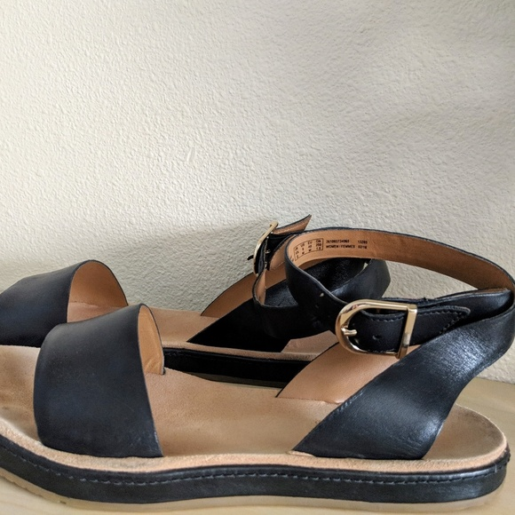 a59c20fe8ac9f Clarks Shoes - Clarks Romantic Moon in Black leather